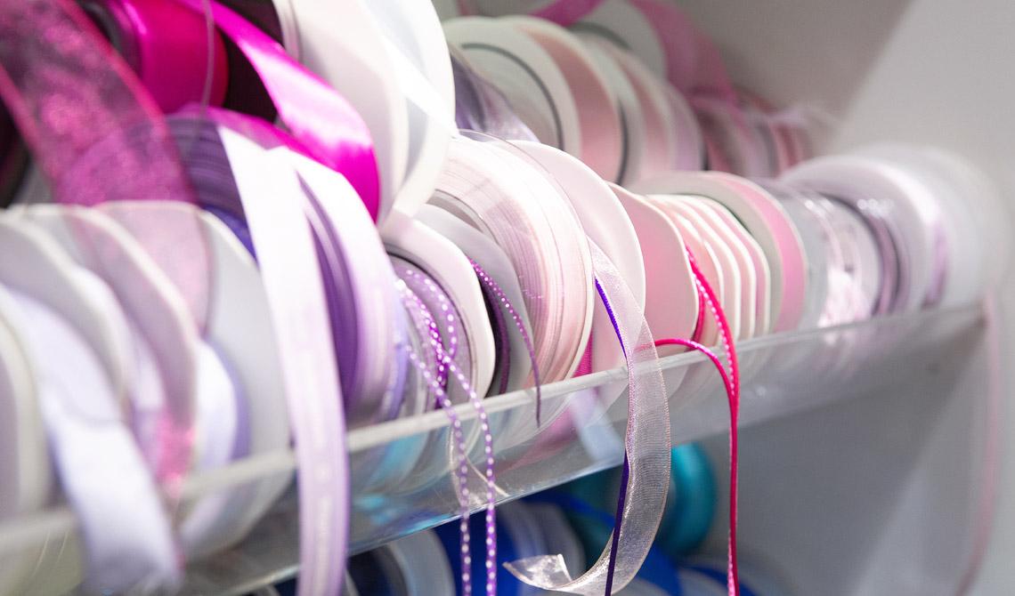 Geschenkbänder finden Sie bei unseren Soennecken Einzelhändlern.