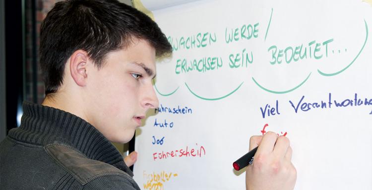 """Soennecken ist eines der Gründungsmitglieder der Gemeinschaftsstiftung """"Chancen stiften""""."""